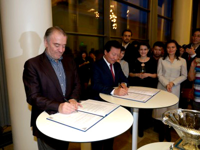 Valery Gergiev signs contract at Astana Opera in April 2014