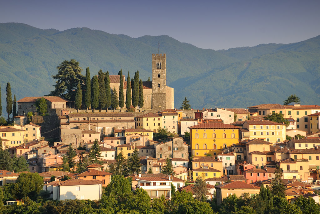 Barga Italy  city pictures gallery : Barga, ITALY