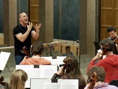 Yannick Nézet-Séguin rehearses in Munich's Herkulessaal in June 2015